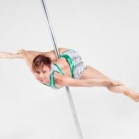 Alessandra Marchetti  campionessa di Pole Dance, racconta la sua vita da campionessa. Video e immagini.
